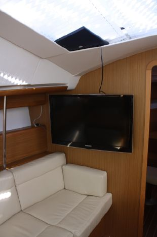 2010 Jeanneau Sell Purchase