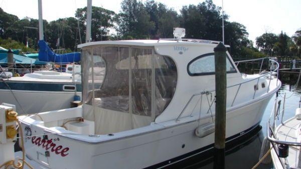 Mainship Pilot II Sedan Photo 1