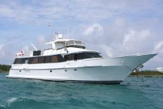 Vantare Custom Flybridge Motoryacht