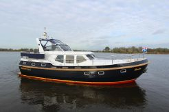 2000 Motor Yacht Vacance Solide 37