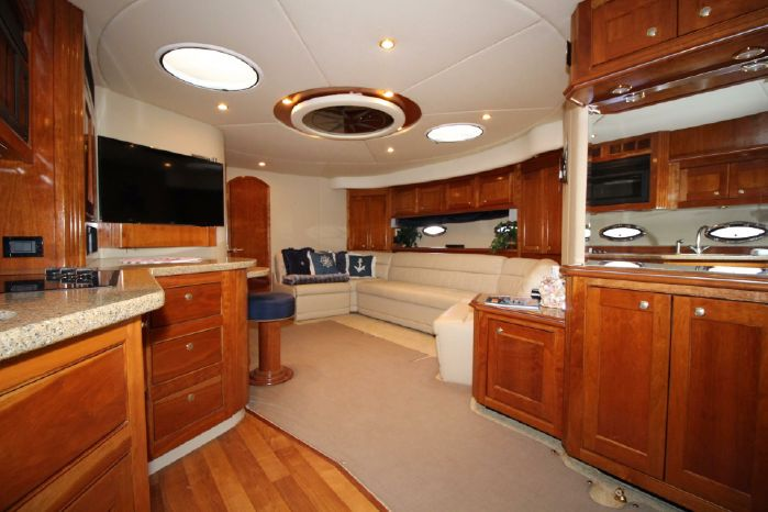 2004 Cruisers Yachts Purchase Brokerage