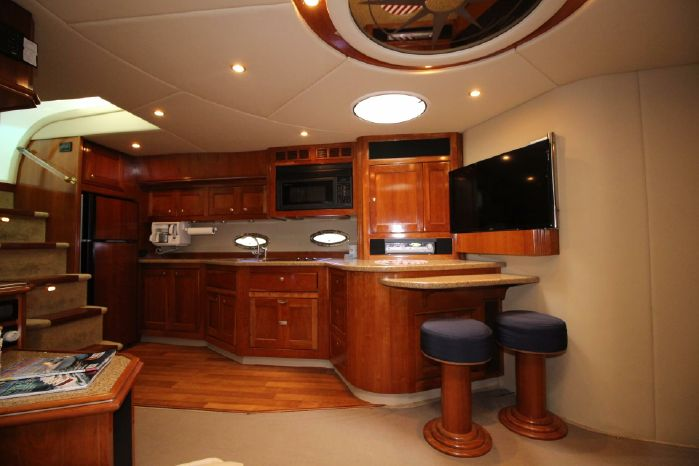 2004 Cruisers Yachts Purchase Broker