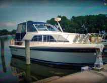 1985 Chris-Craft 381 Catalina