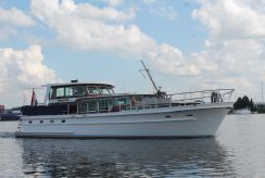 1987 Super Van Craft 15.60 pilothouse