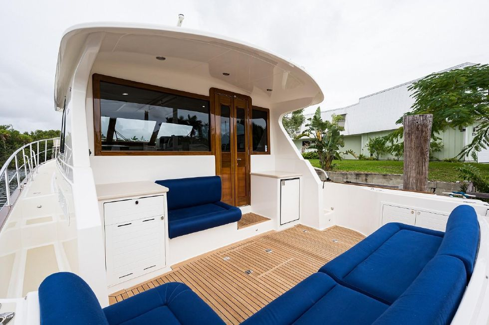 2017 Grand Banks 44 Eastbay SX - Aft Deck