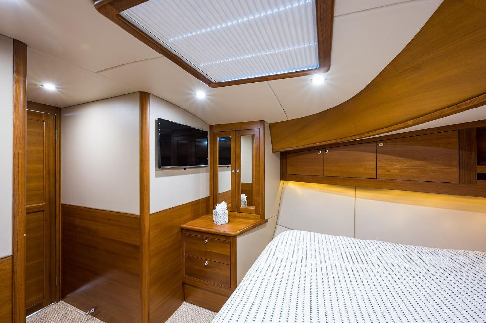2017 Grand Banks 44 Eastbay SX - Master Stateroom