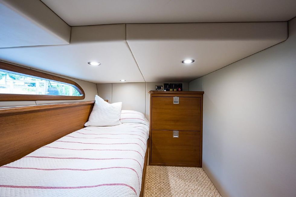 2017 Grand Banks 44 Eastbay SX - Guest Stateroom, Starboard