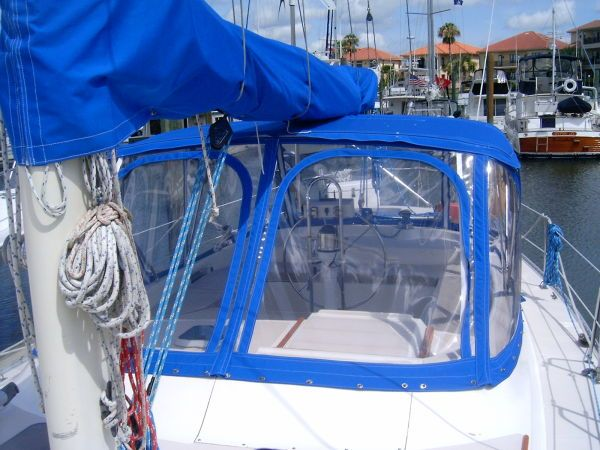 1989 Morgan Classic Sloop - Over $5k invested in New Canvas!