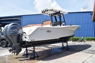 2021 Sea Hunt 275 Ultra