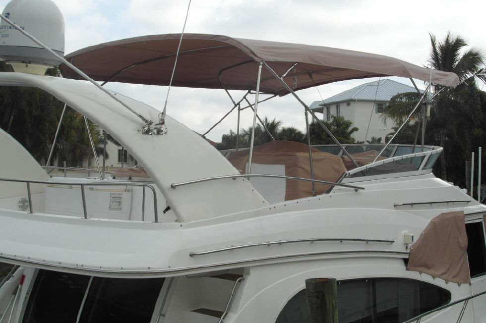 2001 Cruisers Yachts 5000 Sedan Sport - 2001 Cruisers 50 Flybridge