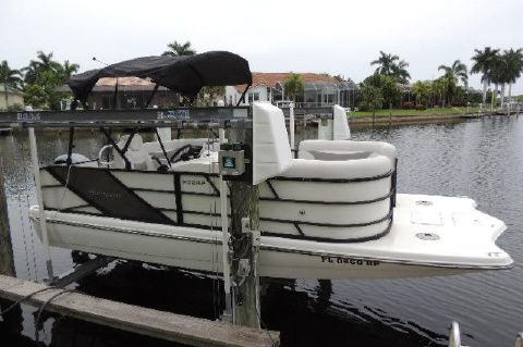2017 Hurricane 216 FUNDECK