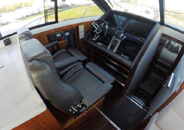 Riviera 445 SUV image