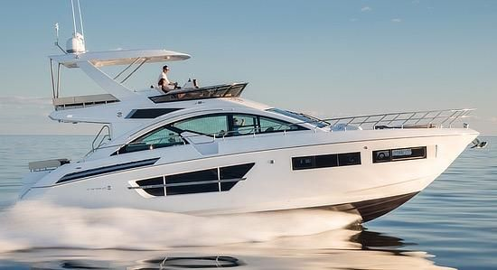 Cruisers Yachts 60 Sport Fly
