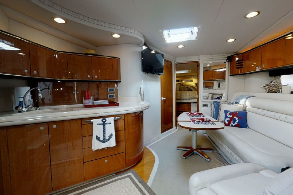 2000 Sea Ray 460 Sundancer - Main Salon and Galley
