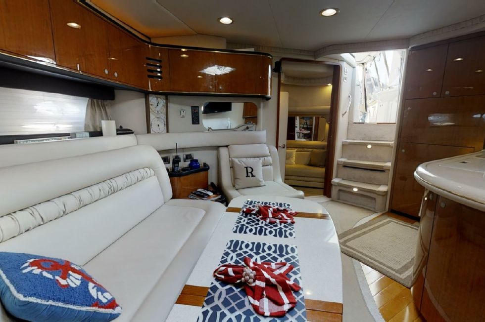 2000 Sea Ray 460 Sundancer - Main Salon View Aft