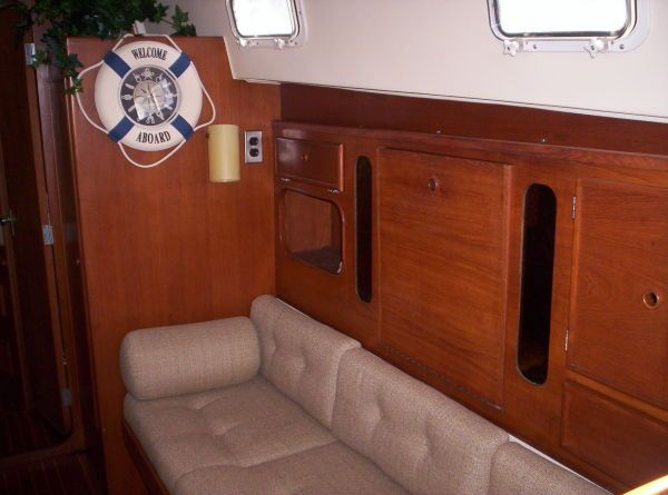 1987 Whitby Ketch - Starboard Salon