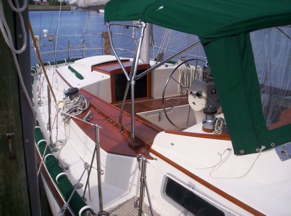 1987 Whitby Ketch - Cockpit