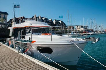 2020 Beneteau Swift Trawler 30
