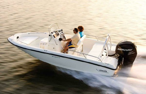 2018 Boston Whaler 180 Dauntless