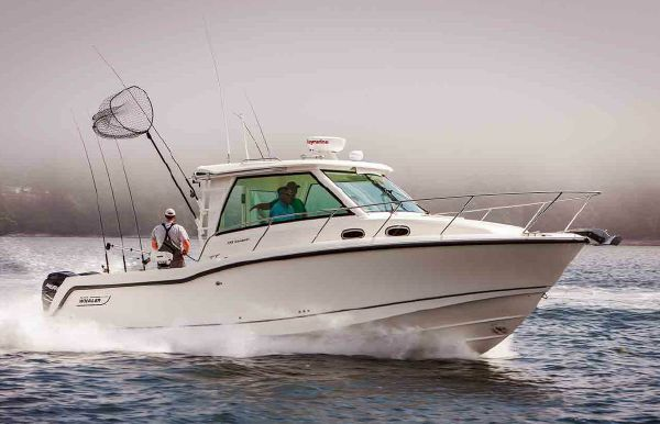 2018 Boston Whaler 315 Conquest Pilothouse