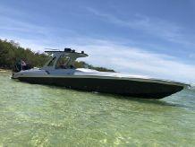 2000 Striker Speed Power Boat