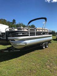 2019 Sun Tracker 20' Fishing Barge