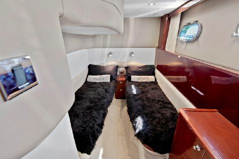 2004 Viking Princess 61