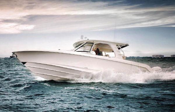 2018 Boston Whaler 350 Realm