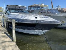 2020 Cruisers Yachts 35 Express