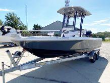 2018 Robalo Bay Boats 226 Cayman