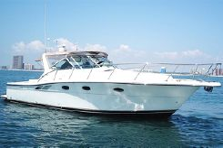 1998 Tiara Yachts 3500 Open