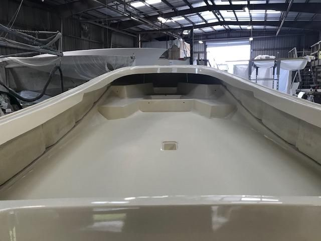1971 Boston Whaler Outrage 210