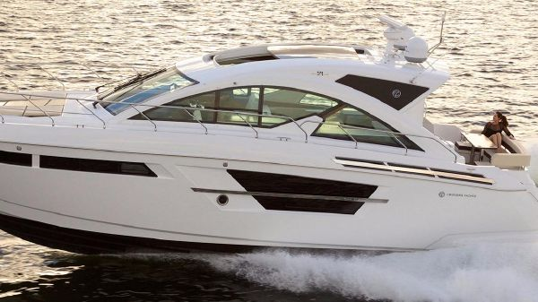 Cruisers Yachts 54 Cantius Port Side
