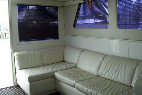 1978 Hatteras Convertible - 1978 42 Hatteras Salon Aft Port