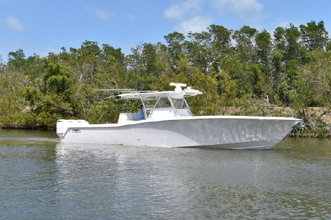 2018 Invincible 42 Open Fisherman