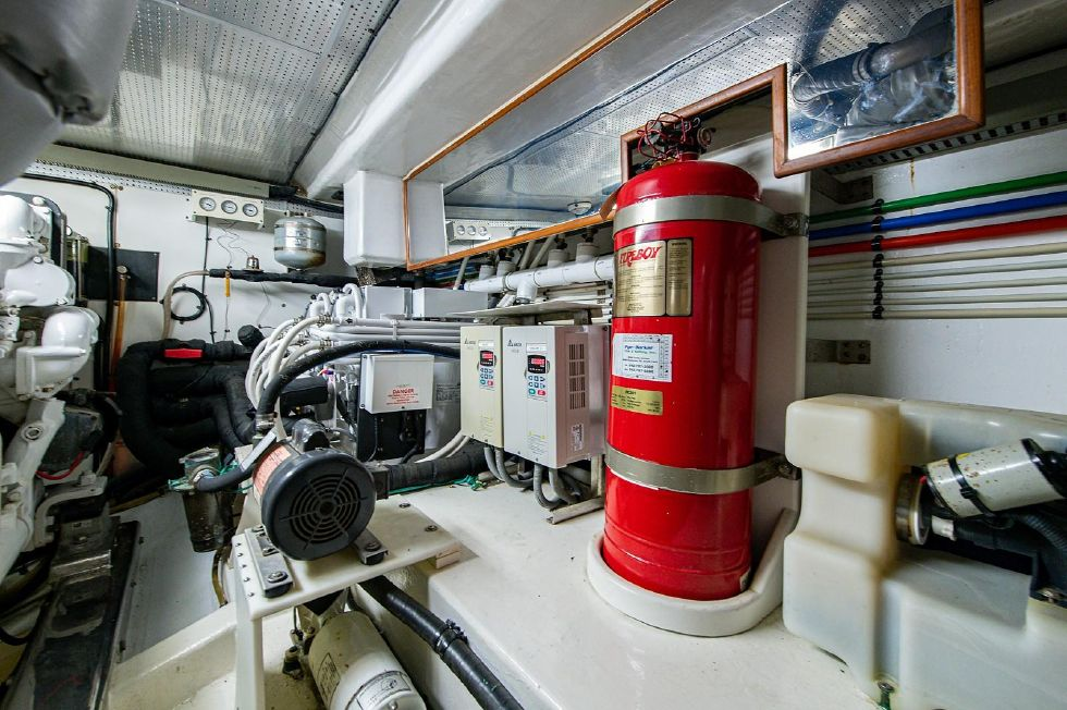 2004 Marlow 70E - Engine Room