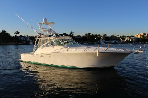 2000 Cabo 45 Express
