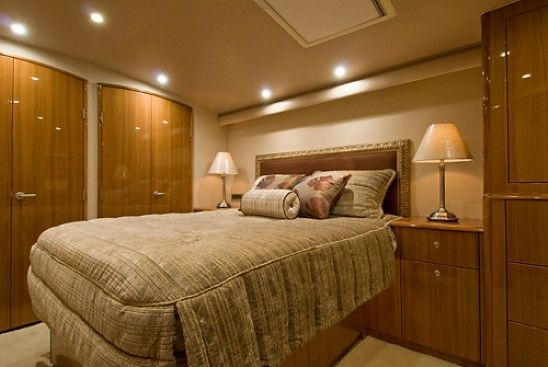 2008 Viking Enclosed - Master Stateroom