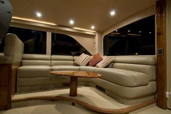 2008 Viking Enclosed - Flybridge Seating