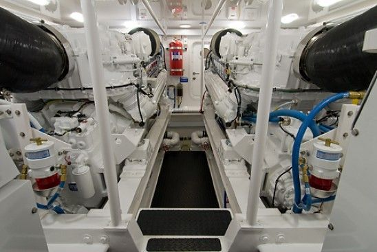 2008 Viking Enclosed - Engine Room