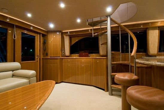 2008 Viking Enclosed - Salon