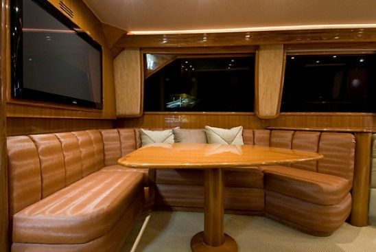 2008 Viking Enclosed - Dinette