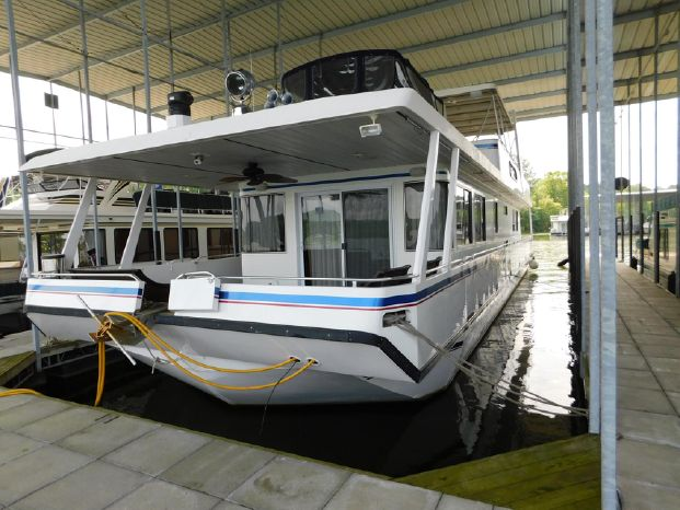 2004 Stardust Cruisers Broker BoatsalesListing