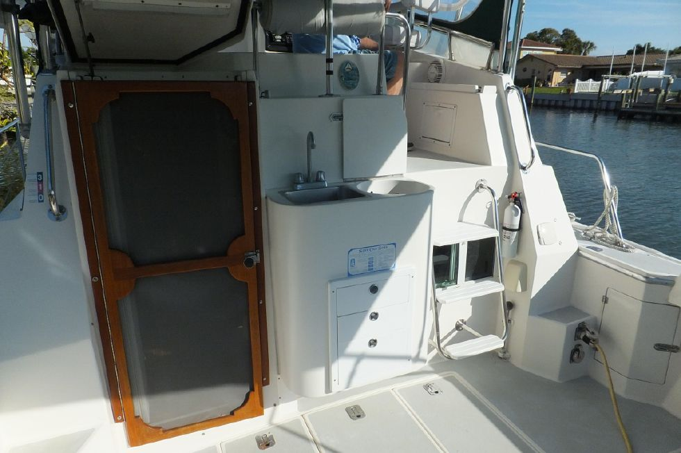 1997 Albin 32+2 Command Bridge