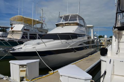 2009 Carver 47 Motor Yacht - 2009 Carver 47 Motor Yacht Port Bow View