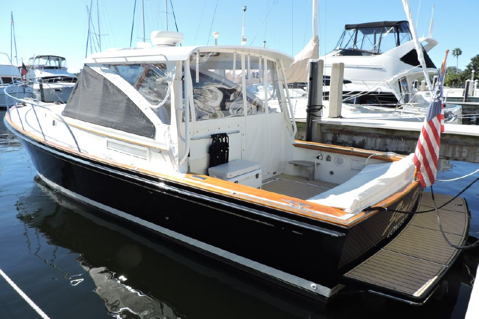 2002 Little Harbor Hinckley 36 Express - Profile