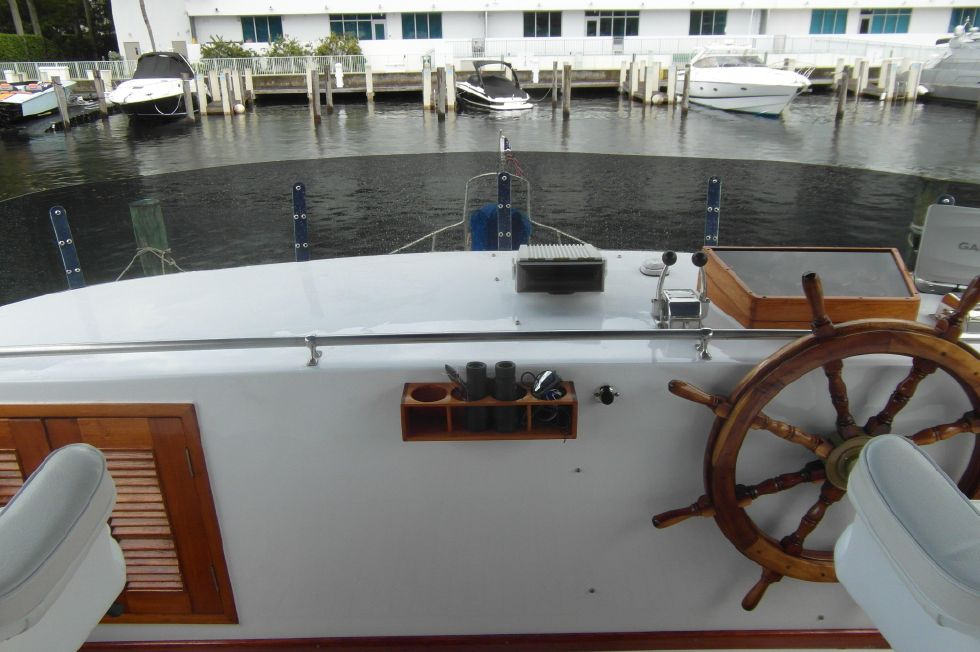 1984/2015 Marine Trader 43 Sundeck / Bridge Facing Forward