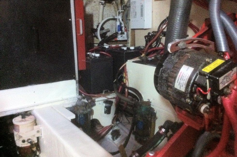 1984/2015 Marine Trader 43 Engine Room