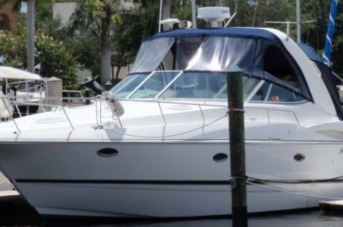 2002 Cruisers Yachts 3672 Express - Photo 1