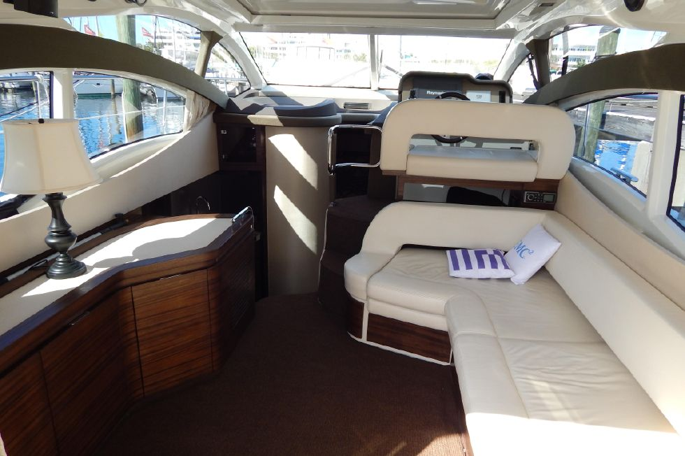 2012 Azimut 40S - Salon View